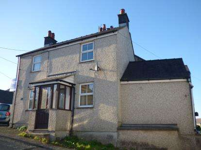 2 Bedrooms Semi Detached House for sale in High Street, Brynsiencyn, Anglesey, Sir Ynys Mon, LL61
