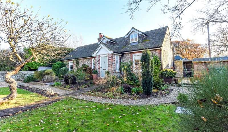 3 Bedrooms Detached House for sale in Highleigh Road, Highleigh, Chichester, PO20