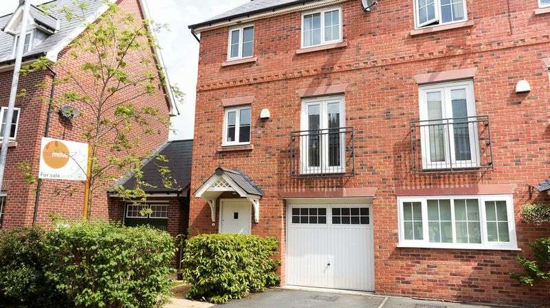 3 Bedrooms House for sale in School Drive, Lymm