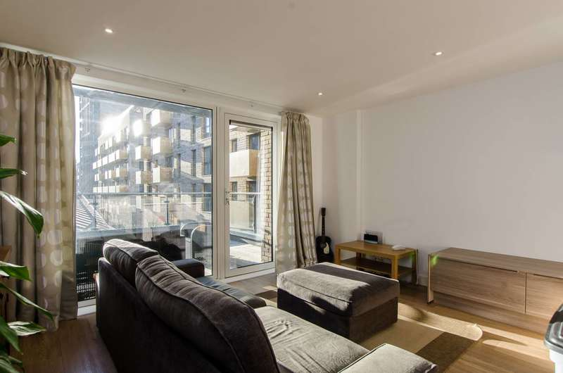 3 Bedrooms Flat for sale in Seafarer Way, Rotherhithe, SE16