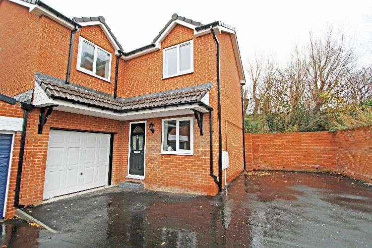 4 Bedrooms Detached House for sale in Fernleigh Drive, South Yorkshire, S60 5PJ
