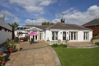 3 Bedrooms Bungalow for sale in Richmond Road, Handsworth, Sheffield