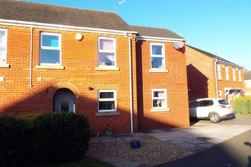 4 Bedrooms Semi Detached House for sale in Smallwood Close, Stoke-On-Trent