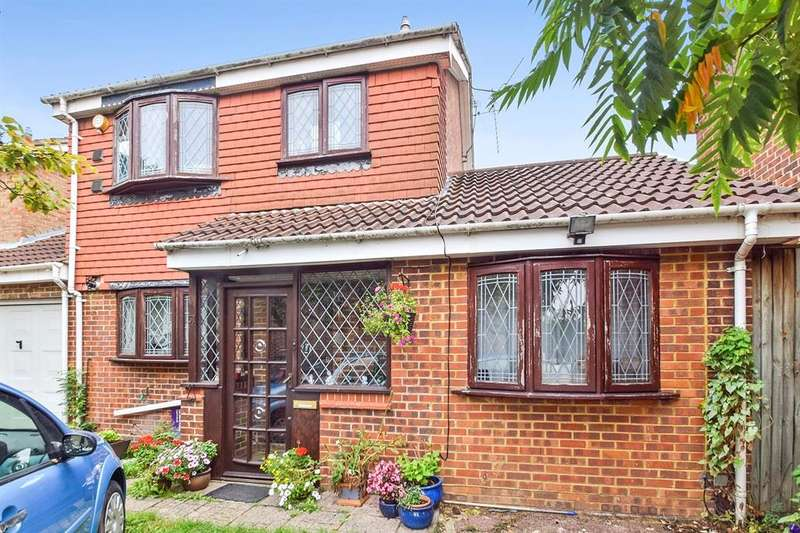 5 Bedrooms Detached House for sale in Paddington Close, Hayes, UB4