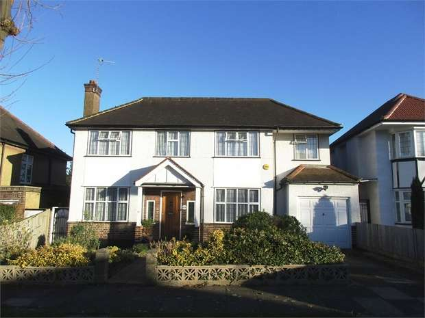 4 Bedrooms Detached House for sale in Woodhill Crescent, HARROW