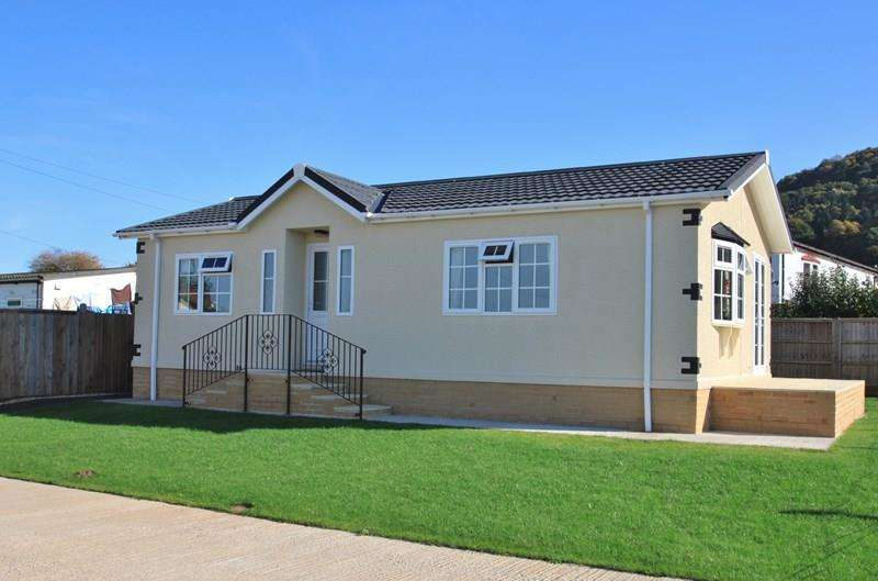 2 Bedrooms Mobile Home for sale in Vine Tree Park, Tudorville, Ross-On-Wye