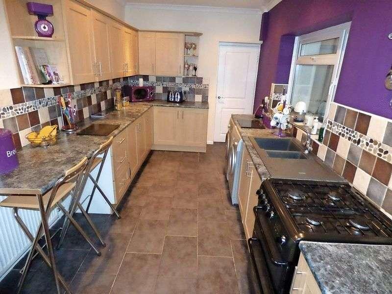 4 Bedrooms Terraced House for sale in George Street, CF44 6SH
