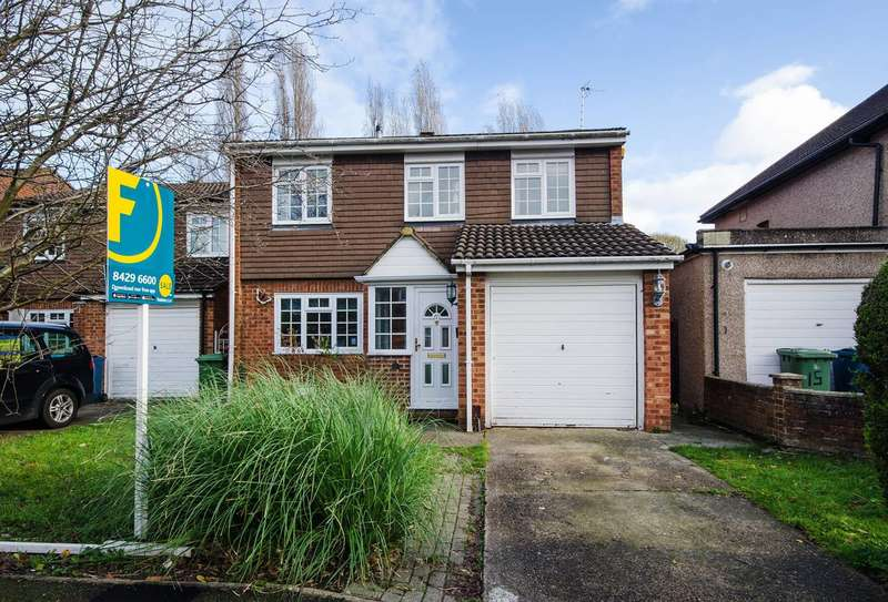 4 Bedrooms Detached House for sale in Silver Close, Harrow Weald, HA3