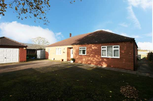 3 Bedrooms Detached Bungalow for sale in Thimbleby, Horncastle, Lincolnshire, LN9 5RE