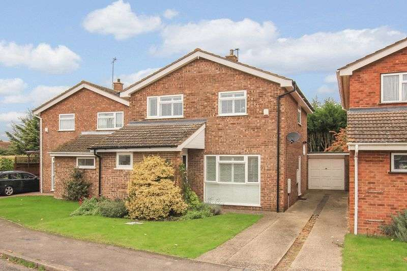 4 Bedrooms Detached House for sale in ASTON CLINTON