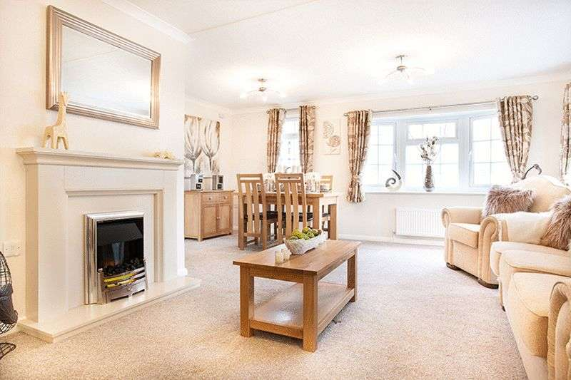 2 Bedrooms Property for sale in Kings Acre, Gloucester