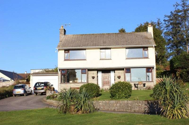 3 Bedrooms Detached House for sale in Priory Road, Bodmin