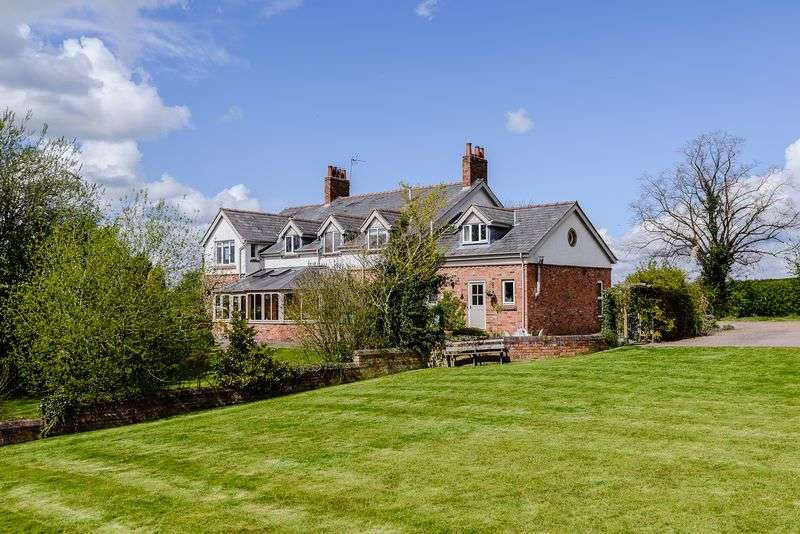 6 Bedrooms Detached House for sale in Huxley, Nr. Tarporley
