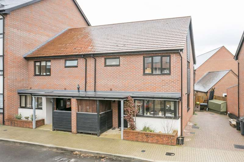 3 Bedrooms Property for sale in Hawley Drive, Leybourne, West Malling