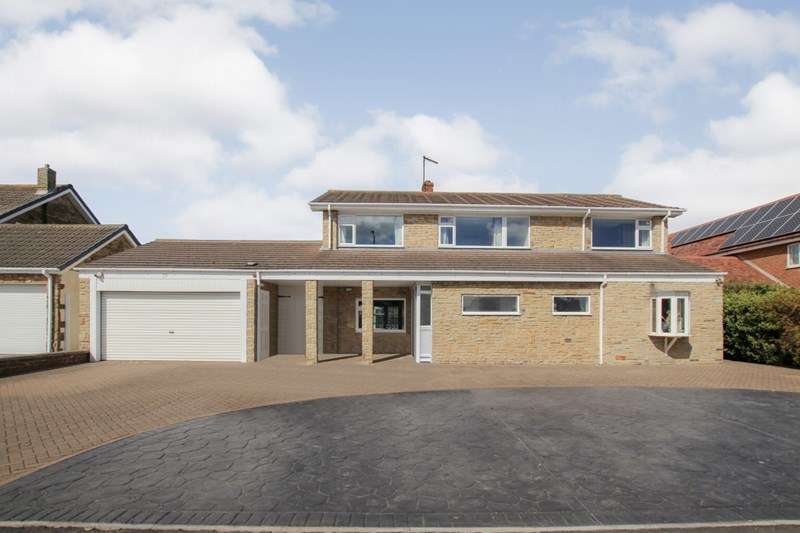 4 Bedrooms Detached House for sale in Coast Road, Marske By The Sea