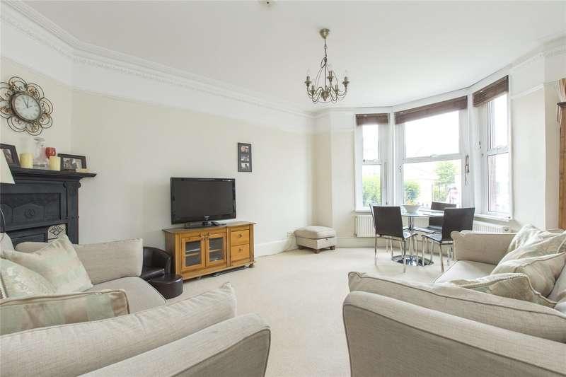 3 Bedrooms Maisonette Flat for sale in Beechcroft Road, Wandsworth Common, London, SW17
