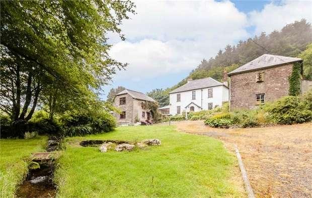 6 Bedrooms Detached House for sale in Brayford, Barnstaple, Devon
