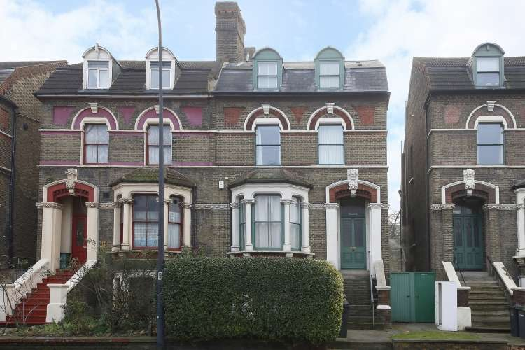 2 Bedrooms Flat for sale in Queens Road New Cross SE14
