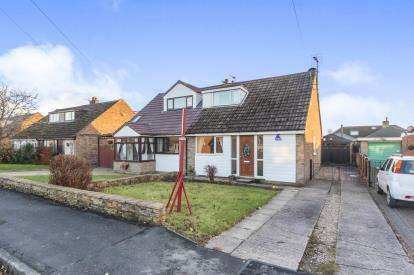 2 Bedrooms Bungalow for sale in Browmere Drive, Croft, Warrington, Cheshire