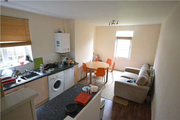 5 Bedrooms Terraced House for rent in Church Road, Horfield, Bristol, BS7 8SD