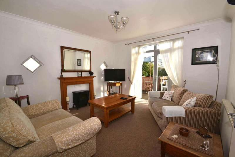3 Bedrooms Bungalow for sale in Mashiters Hill, Romford, Essex, RM1