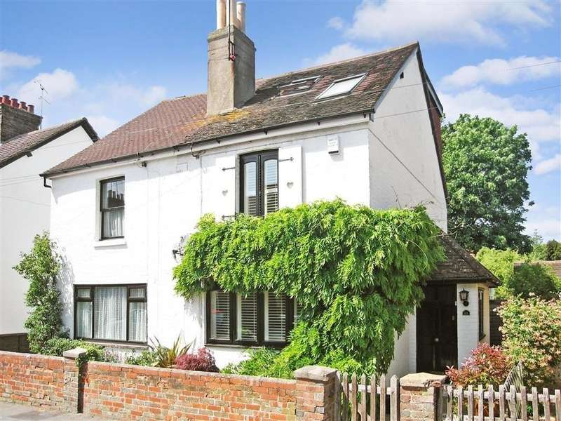 3 Bedrooms Semi Detached House for sale in Spencers Road, Horsham