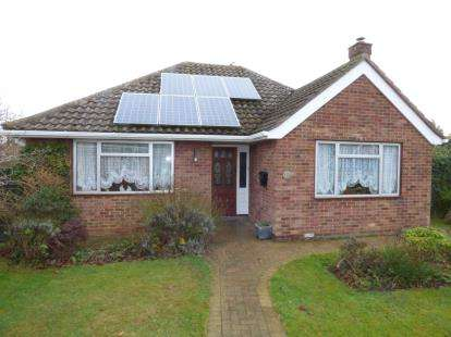2 Bedrooms Bungalow for sale in Braintree