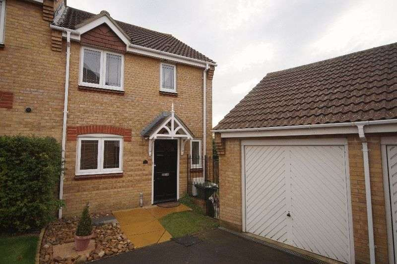 3 Bedrooms Semi Detached House for sale in Caer Peris View, Portchester, Fareham, PO16