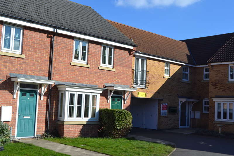 3 Bedrooms Terraced House for sale in Mayflower Mews, Grantham