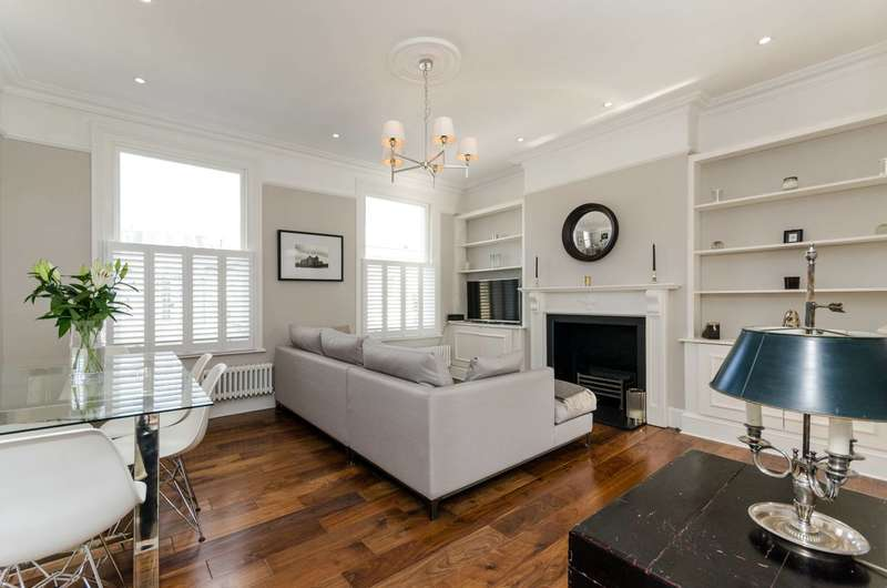 3 Bedrooms Maisonette Flat for sale in Strode Road, Munster Village, SW6