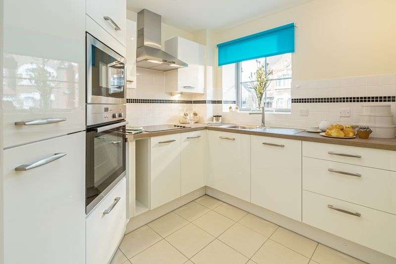 2 Bedrooms Retirement Property for sale in Kingston Road, Raynes Park, London