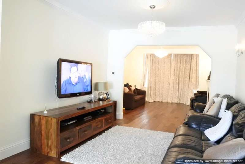 3 Bedrooms Semi Detached House for sale in Castleton Gardens, Wembley