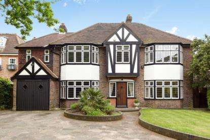 5 Bedrooms Detached House for sale in Beckenham Place Park, Beckenham