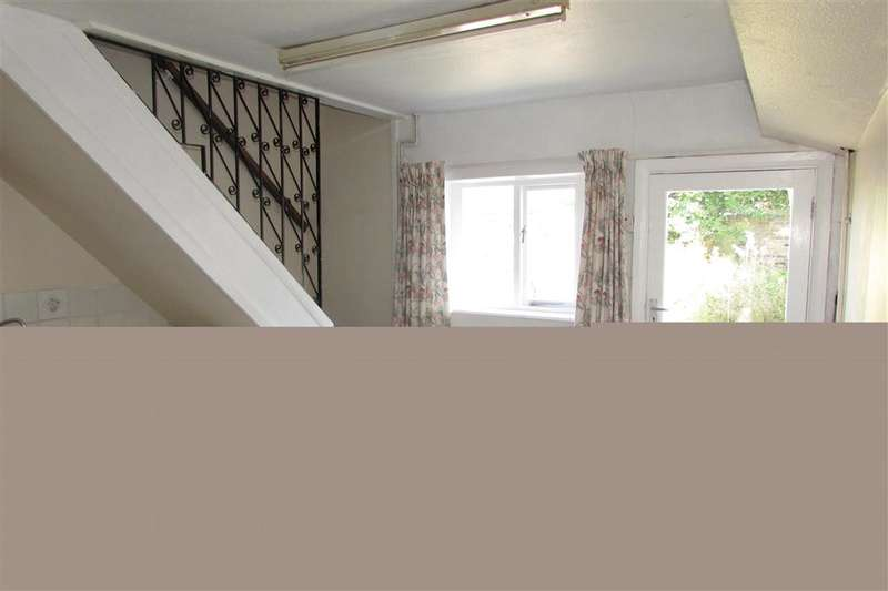 2 Bedrooms End Of Terrace House for sale in Upper Stone Street, Maidstone, Kent