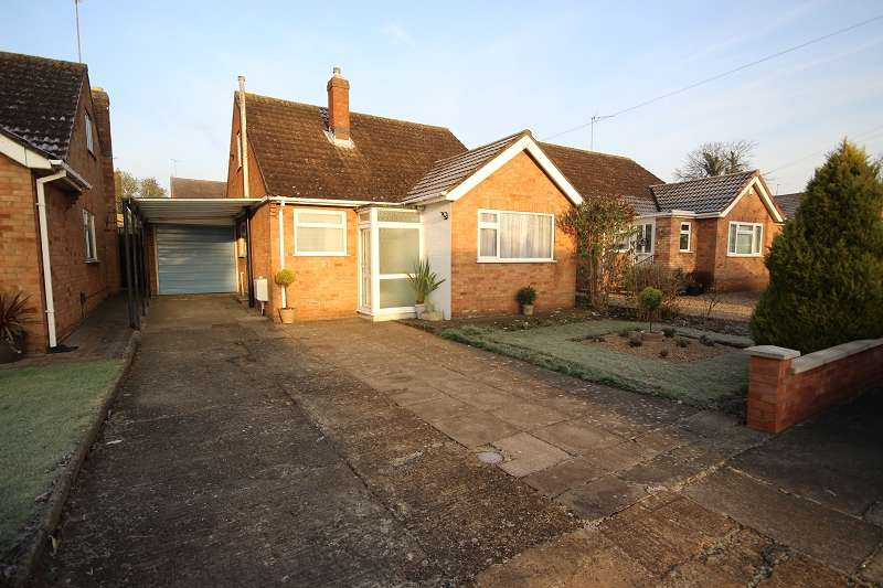 2 Bedrooms Detached Bungalow for sale in Chiltern Close, Northampton, Northamptonshire. NN5 6AX