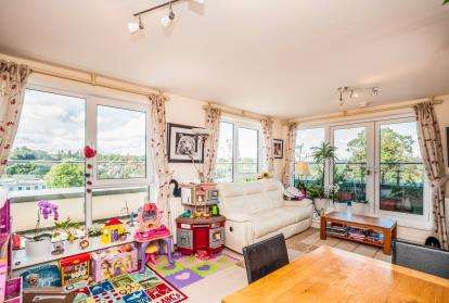 3 Bedrooms Flat for sale in Mosaic House, Hemel Hempstead, Hertfordshire, England