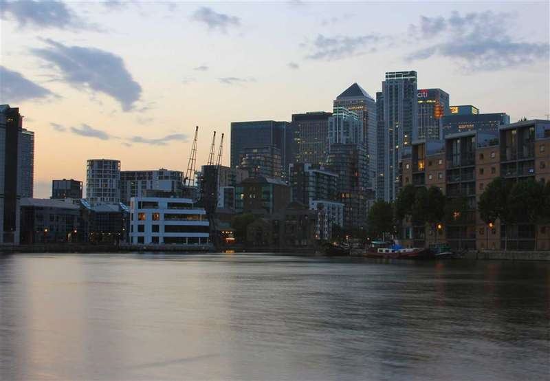 2 Bedrooms Property for sale in Baltimore Apartments, Canary Wharf, London, E14
