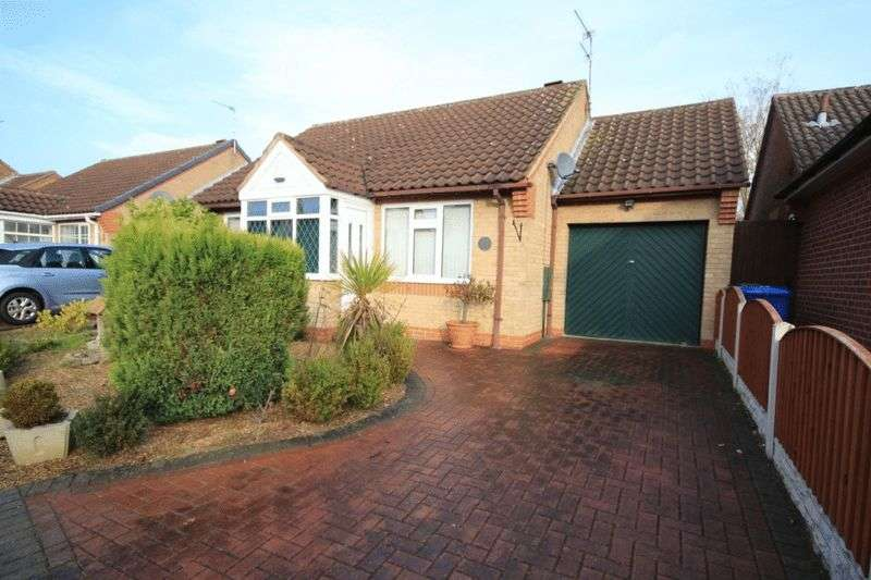 2 Bedrooms Detached Bungalow for sale in PENTLAND CLOSE, OAKWOOD