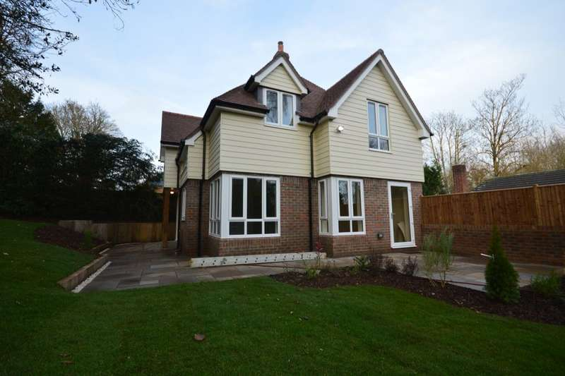 3 Bedrooms Detached House for sale in Rooksbury Road, Andover, SP10