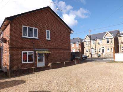 2 Bedrooms Flat for sale in 44 Fitzroy Street, Sandown, Isle Of Wight