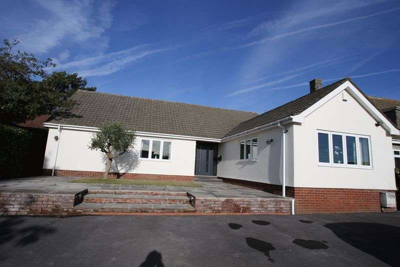 4 Bedrooms Detached Bungalow for sale in Clevedon Road, Clevedon