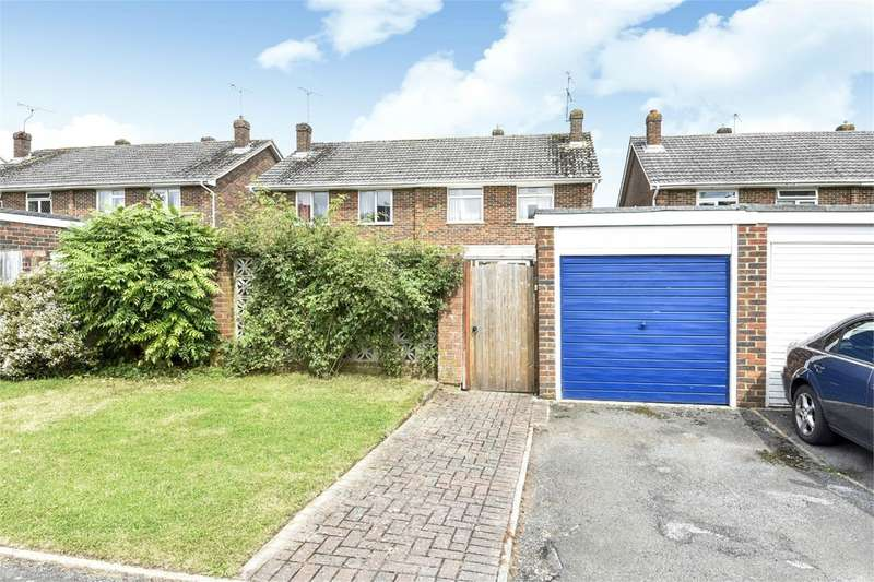 3 Bedrooms Semi Detached House for sale in Woodgreen Road, Winchester, SO22