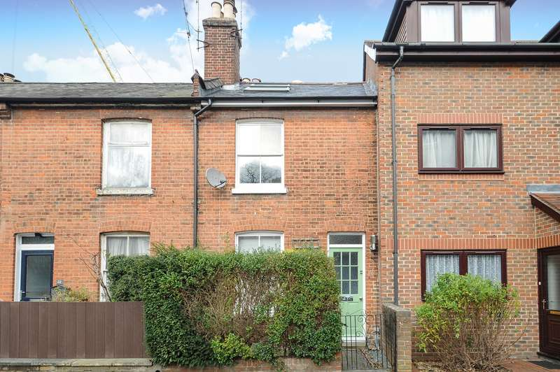 3 Bedrooms Terraced House for sale in Swan Lane, Winchester, SO23