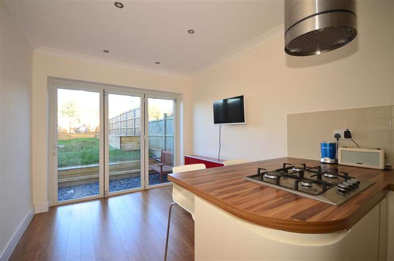 4 Bedrooms End Of Terrace House for sale in Chapel Road, Epping, Essex