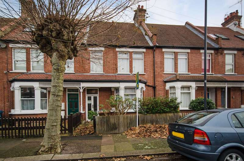 3 Bedrooms House for sale in Lance Road, Harrow, HA1