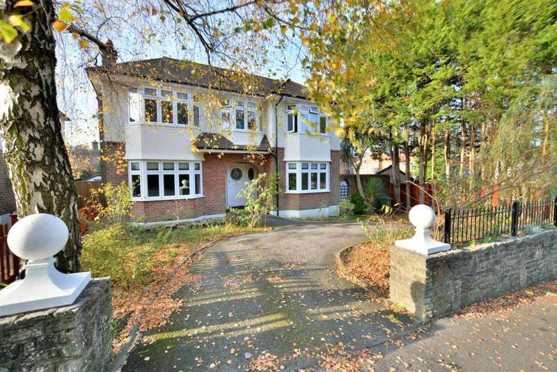 4 Bedrooms Detached House for sale in Penn Hill, Poole