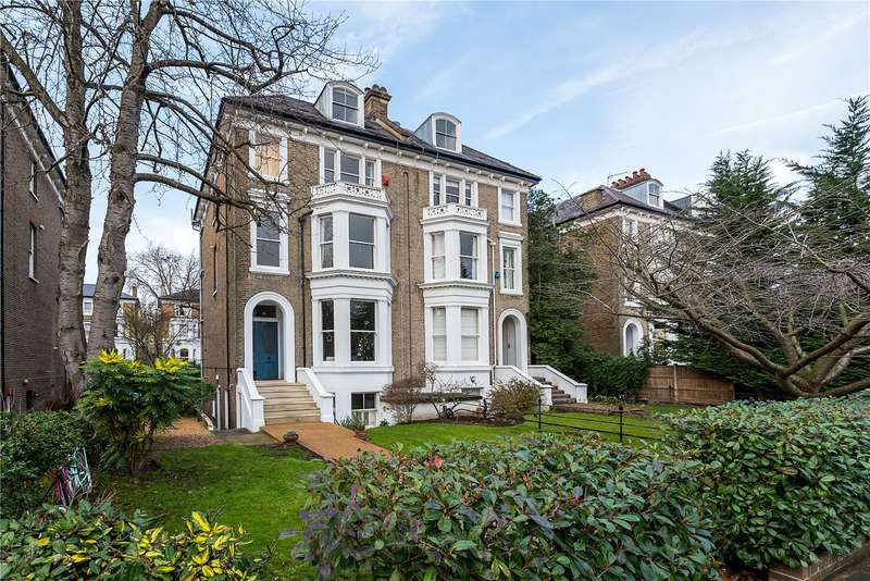 1 Bedroom Flat for sale in Cambridge Park, East Twickenham, TW1