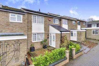 3 Bedrooms Terraced House for sale in Malletts Close, Stony Stratford, Milton Keynes, Bucks