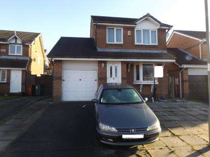 3 Bedrooms Detached House for sale in Chancel Place, Darwen, Lancashire