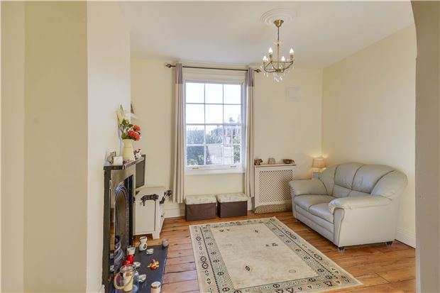 1 Bedroom Flat for sale in Victoria Road, ABINGDON, Oxfordshire, OX14 1DQ